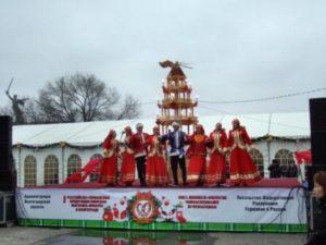 Weihnachtspyramide in Wolgograd
